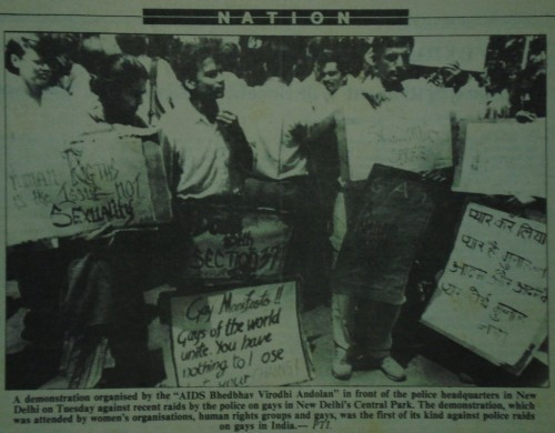 Newspaper clipping of the first known protest by the AIDS Bhedbhav Virodhi Andolan (ABVA) in 1992. People gathered around, carrying placards.