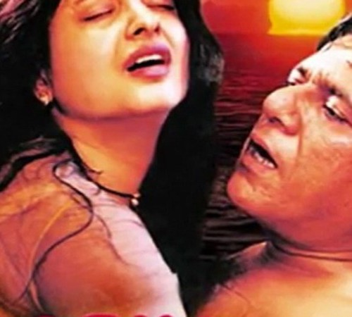 A photo of actors, Rekha and Om Puri from the movie, Aastha: In the Prison of Spring